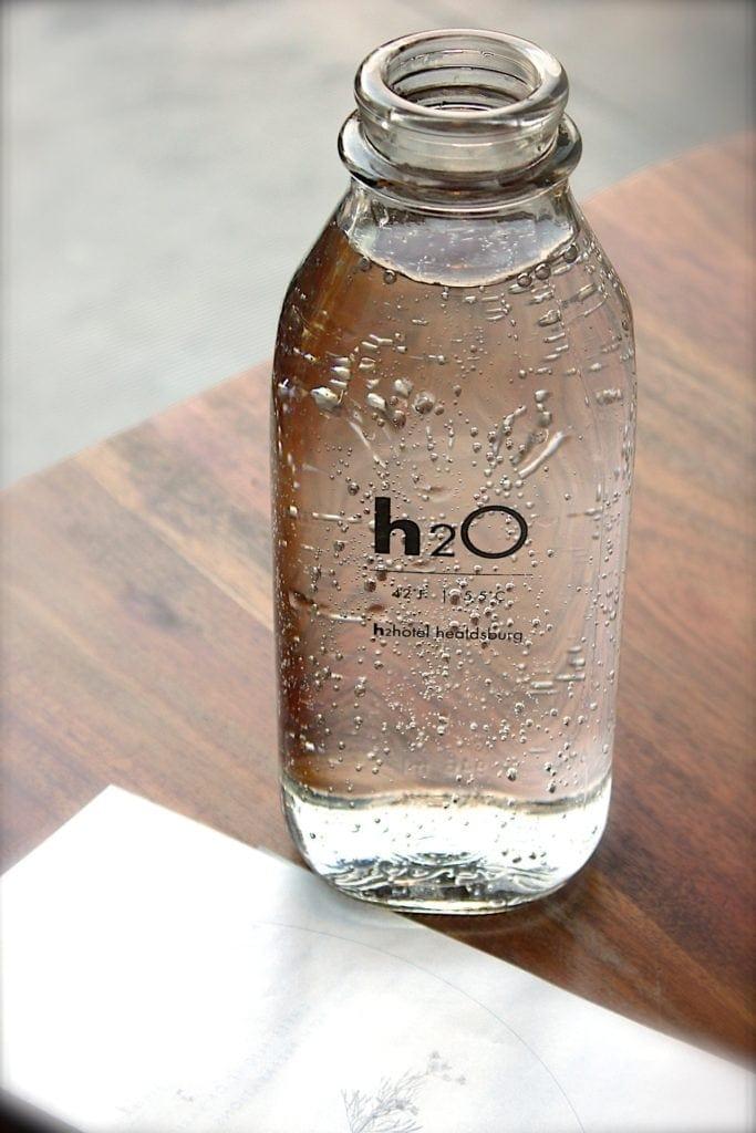 eau minérale, excellent remède contre la constipation